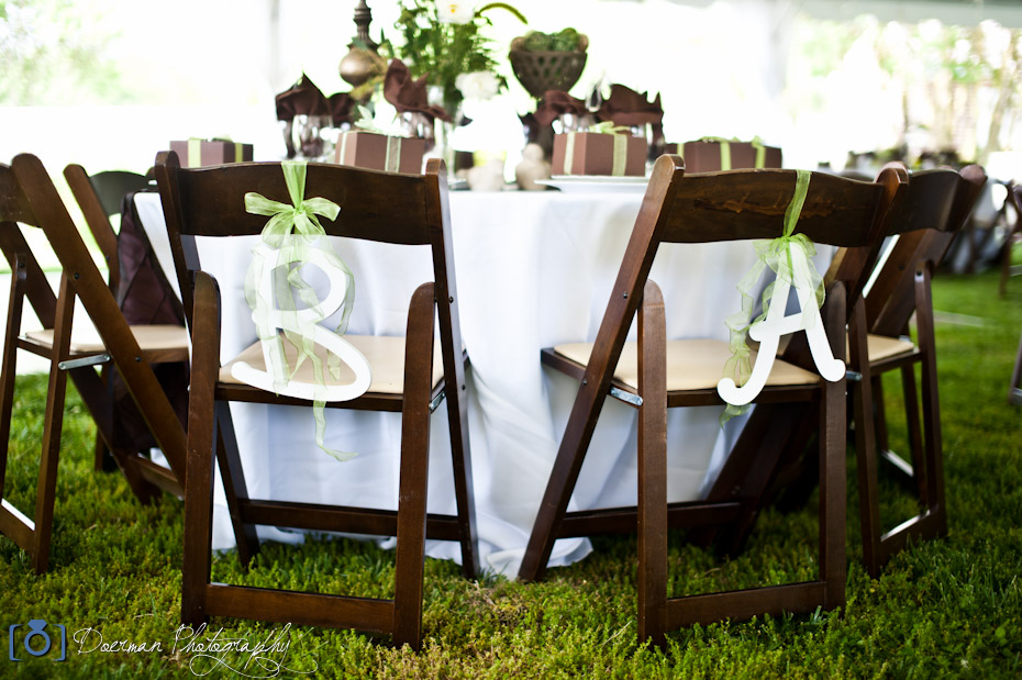 bride-groom-table-chairs