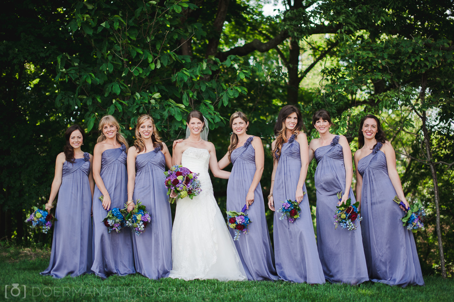 bridesmaids-outdoors-nashville