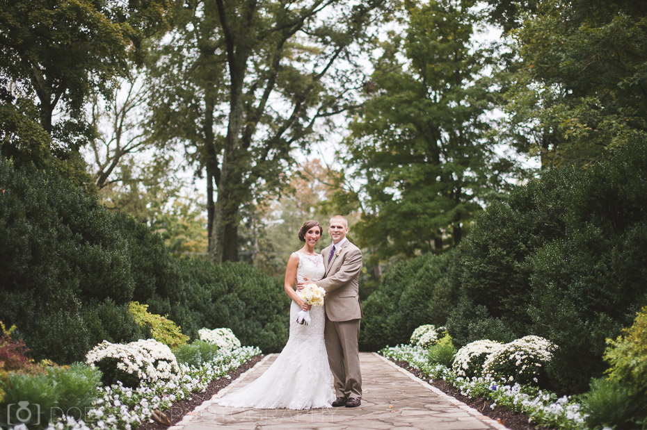 bride and groom at Belle Meade Plantation
