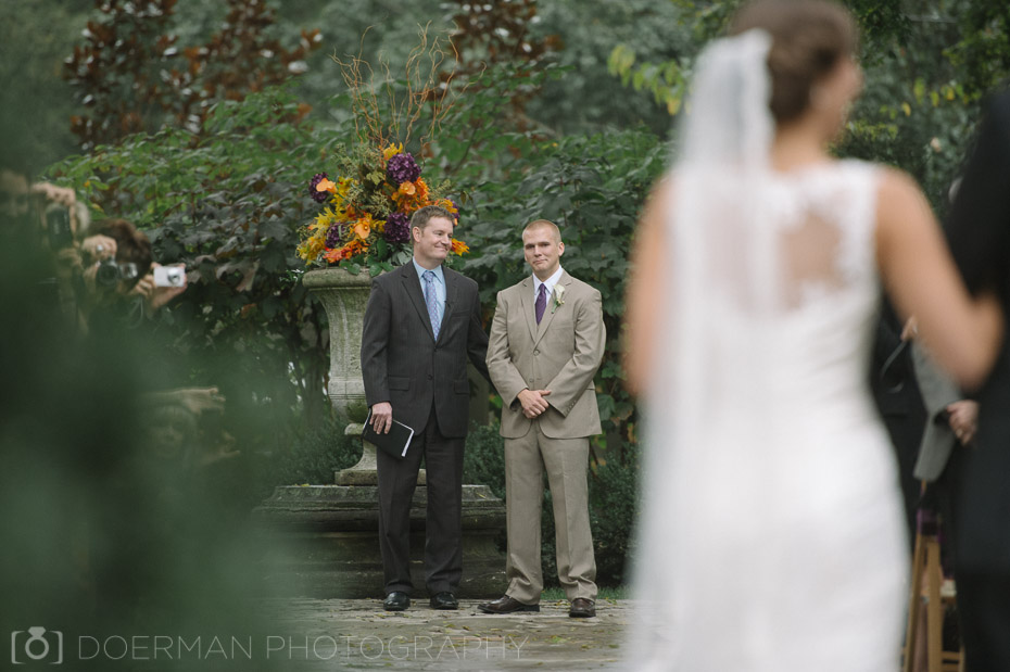 groom seeing bride teary