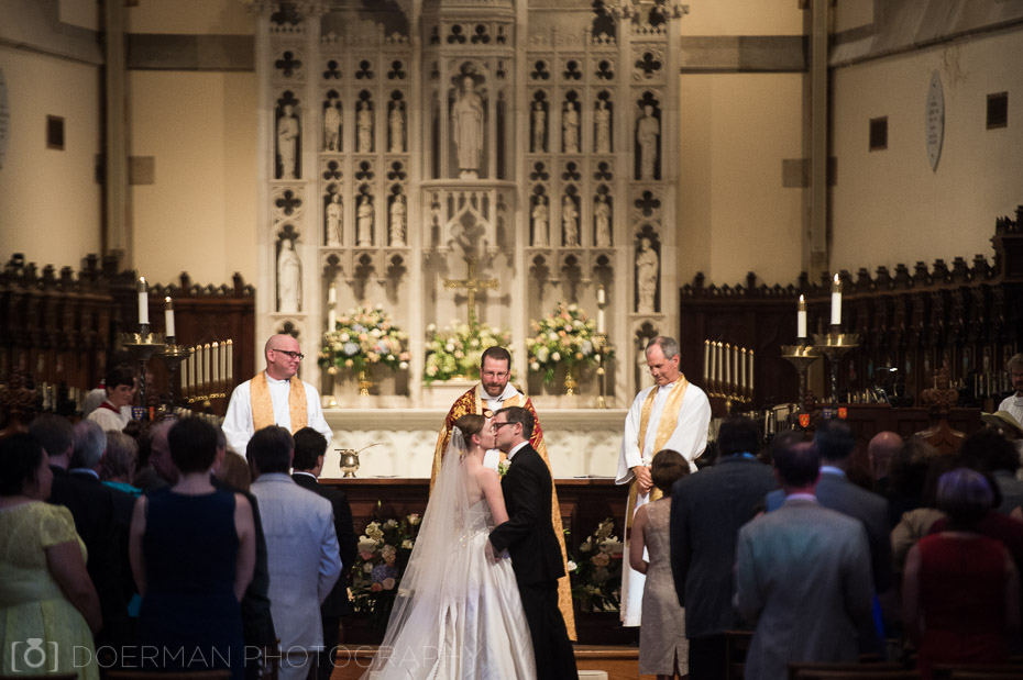 wedding at all saints chapel sewanee