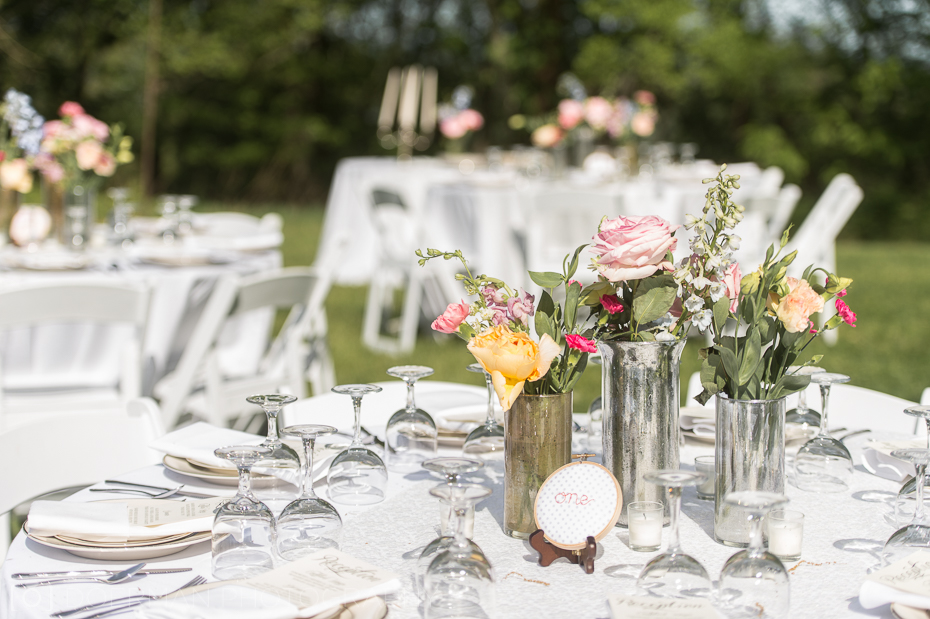spring-wedding-table-setting