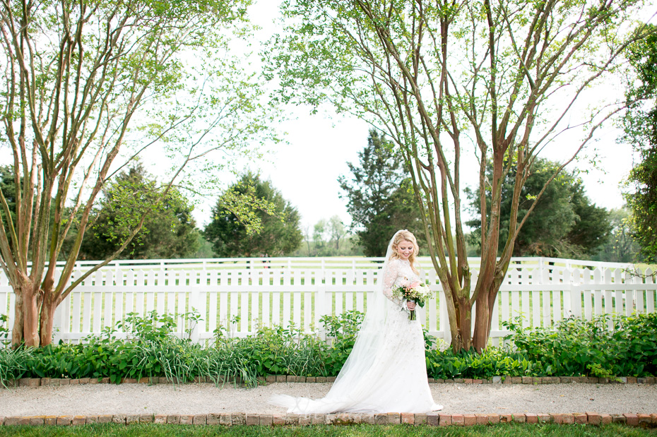 bride walking at carnton plantation